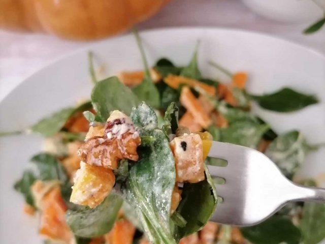 Σαλάτα με γλυκοπατά και κολοκύθα
